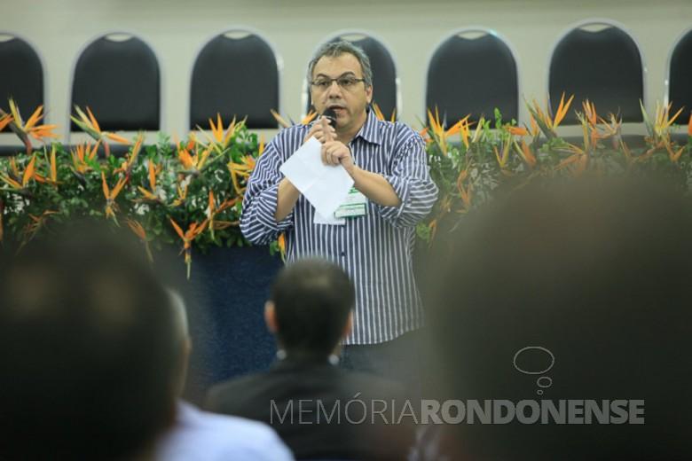 Arquiteto Mário José Costenaro,  ex-presidente da Caciopar, proferiu palestra em Marechal Cândido Rondon, outubro de 2016.  Imagem: Acervo ACIFI - FOTO 19 -