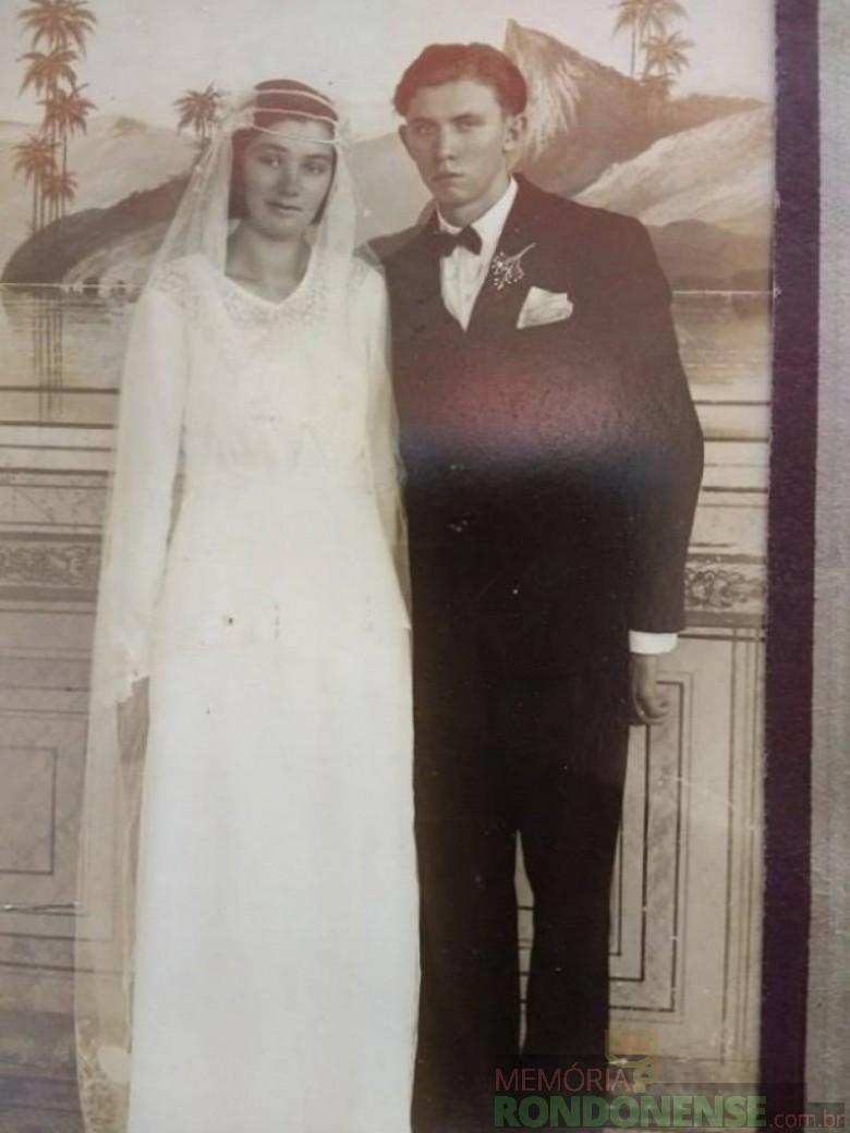 Henrique Afonso Sturm em seu primeiro casamento com Hilda Reinheimer, em 1936. Imagem: Acervo Orlando e Rafael Sturm - FOTO 2 –
