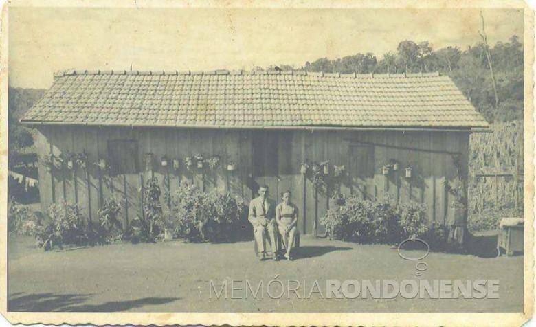Casal pioneiro Amara Antonia e Benedito Firmino Lins, no distrito de Novo Horizonte.  Imagem: Acervo Mirely Lins Weirich - FOTO 6 -