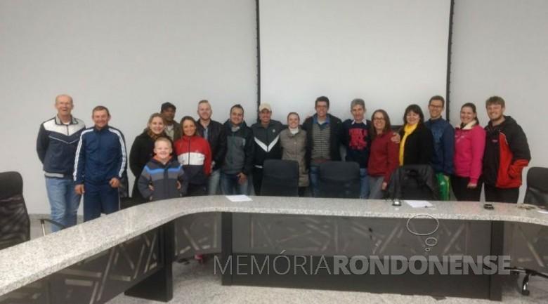 Grupo de ciclistas rondonenses fundadores da Associação Rondonense de Ciclismo (ARC). Imagem: Acervo e crédito de Cristiano Marlon Viteck - FOTO 11 -