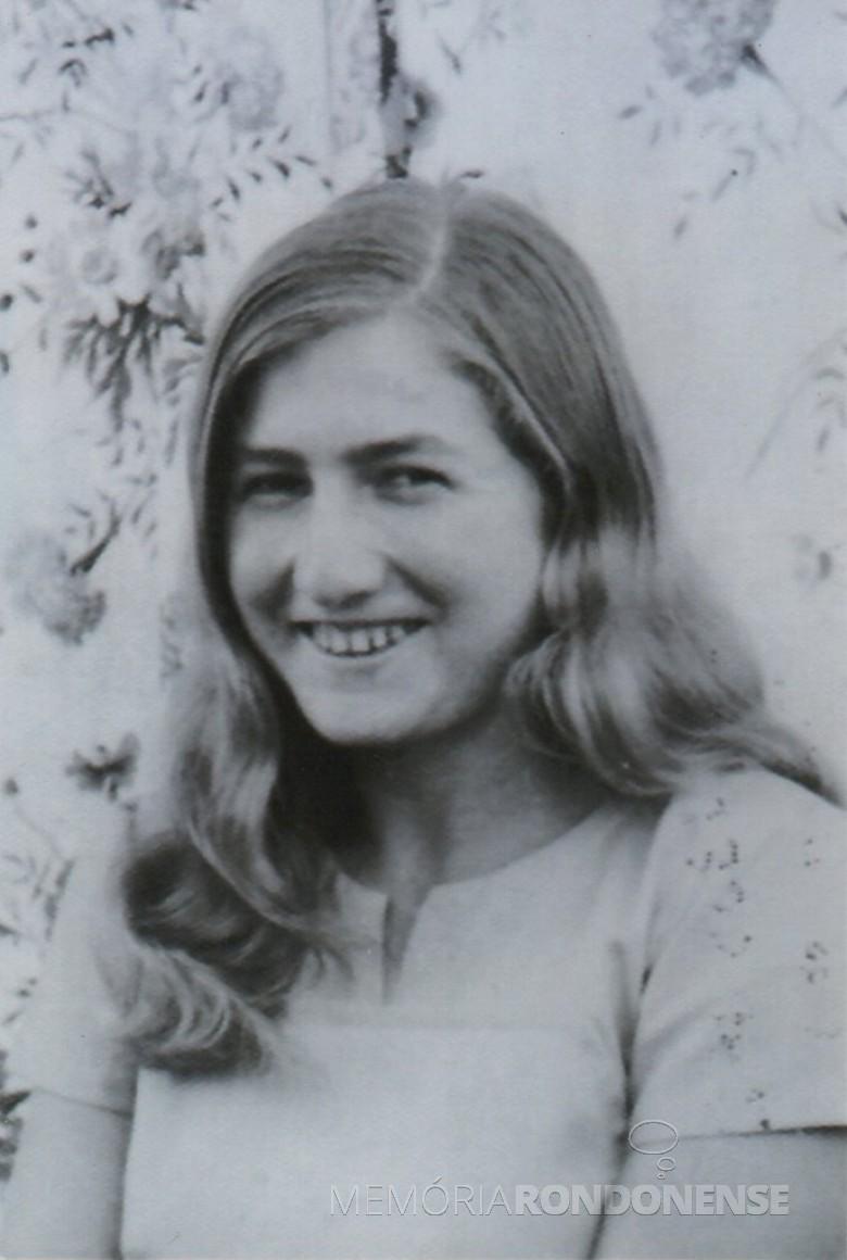 Giselda Lúcia Kuhn, primeira menina nascida no atual distrito de Margarida.  Imagem: Acervo da família - FOTO 1 _