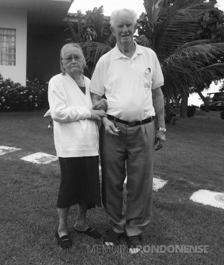 A pioneira Hedwig Tierling,  junto com o esposo Rodolfo, falecida em outubro de 2016.  Imagem: Acervo de Valdi Tierling - FOTO 7 -