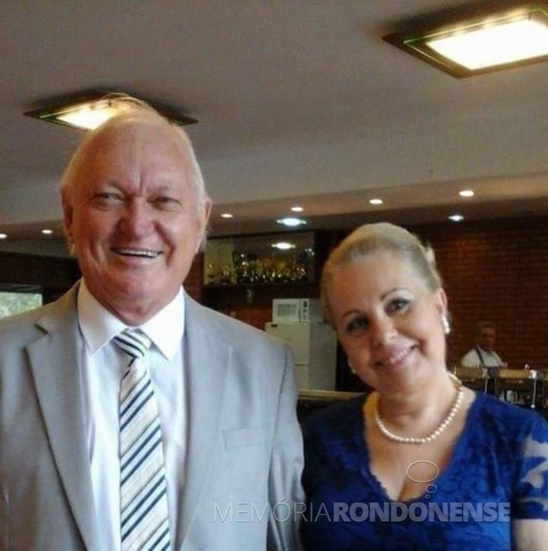 Engenheiro Argeu Ortiz Kerber e esposa, ele que assumiu a chefia do escritório da então Acarpa, hoje Instituto Emater, de Marechal Cândido Rondon, em 01 de julho de 1970. Imagem: Acervo particular - Facebook  - FOTO 3 -