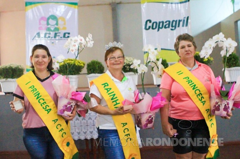 Soberanas da Associação dos Comitês Femininos  da Copagril (ACFC),  em final de outubro de 2019. Imagem: Acerco Comunicação Copagril - Crédito: Camila Medin - FOTO 8 -