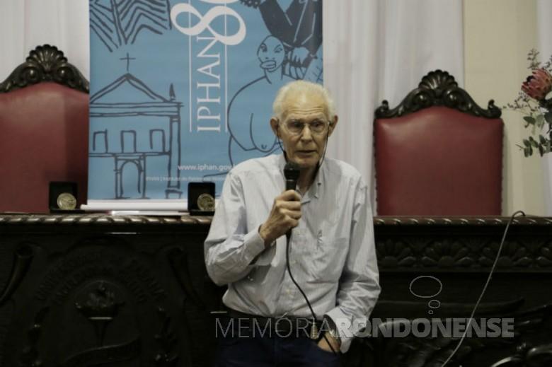 Professor Igor Chmyz que conferenciou em Marechal Cândido Rondon, em começo de setembro de 1989. Imagem: Acervo Iphan - FOTO 4 -