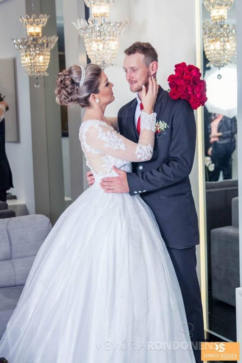 Noivos Carlini Kemper e Fernando Alflen que casaram em agosto de 2017. Imagem: Acervo do casal - FOTO 10 -