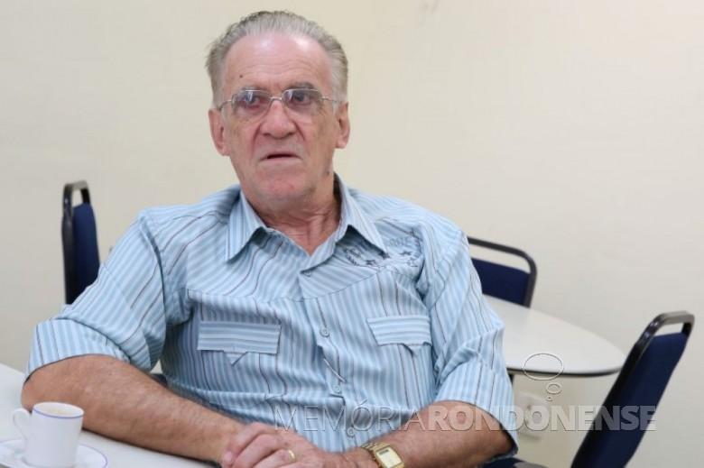Agricultor e sindicalista Alcino Biesdorf eleito em começo de outubro de 1986, para o 4º mandato consecutivo como presidente do Sindicato dos Trabalhadores Rurais de Marechal Cândido Rondon. Imagem: Acervo O Presente - FOTO 8 -