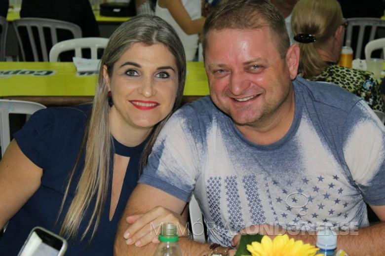 Empresário rondonense Roberto Afonso Thomé com a esposa  (nascida Port). Imagem: Acervo pessoal - FOTO 7 -