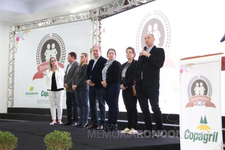 Ricardo Silvio Chapla, diretor-presidente da Copagril, procedendo abertura do ELICOOP 2019. Imagem: Acervo Comunicação Copagril - Crédito: Carina Walker Ribeiro - FOTO 9 -