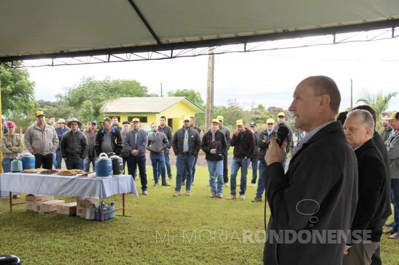 Diretor-Presidente da Copagril, Ricardo Silvio Chapla, procedendo a abertura do Dia Campo do Milho Safrinha Copagril 2019.  Imagem: Acerco Comunicação Copagril - Crédito: Carina Ribeiro - FOTO 8 -