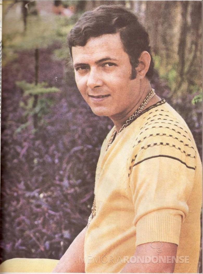 Cantor Paulo Sérgio que fez show em Marechal Cândido Rondon, em final de novembro de 1973.  Imagem: Acervo https://paulosergioaverdade.wordpress.com/ - FOTO 5 -