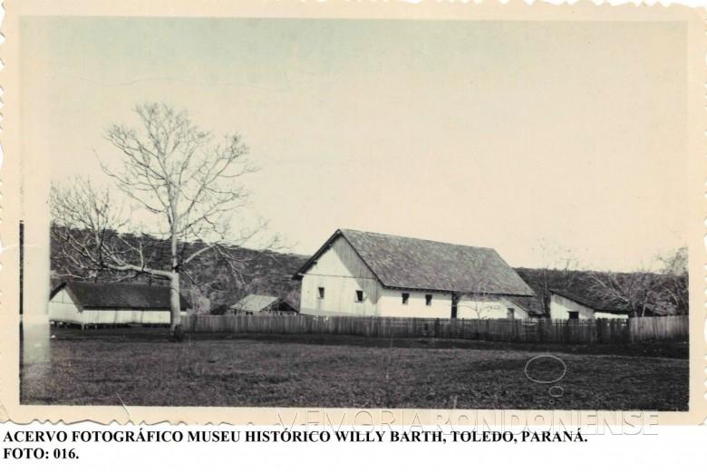 Outra vista da sede do Imóvel Lopeí. Imagem: Acervo Museu Histórico Willy Barth - Toledo - FOTO 4 -