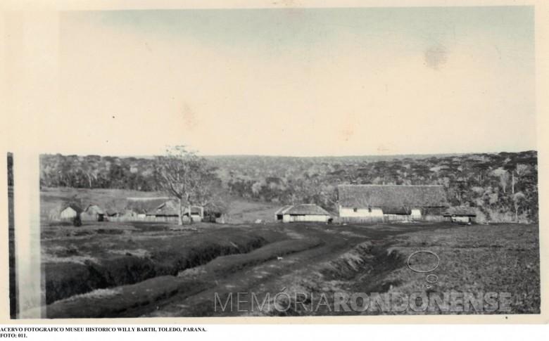 Vista da sede do Imóvel Lopeí, no atual município de Toledo. Imagem: Acervo Museu Histórico Willy Barth - Toledo (PR) - FOTO 3 -