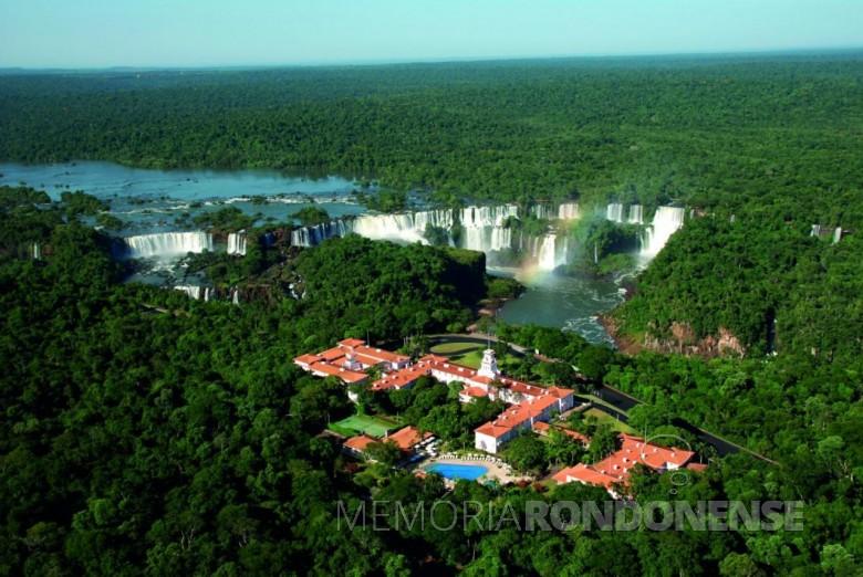 Hotel Cataratas e sua localização previlegiada dentro do Parque Nacional do Iguaçu.  Imagem: Acervo https://www.iguassu.com.br/blog - FOTO 4 -