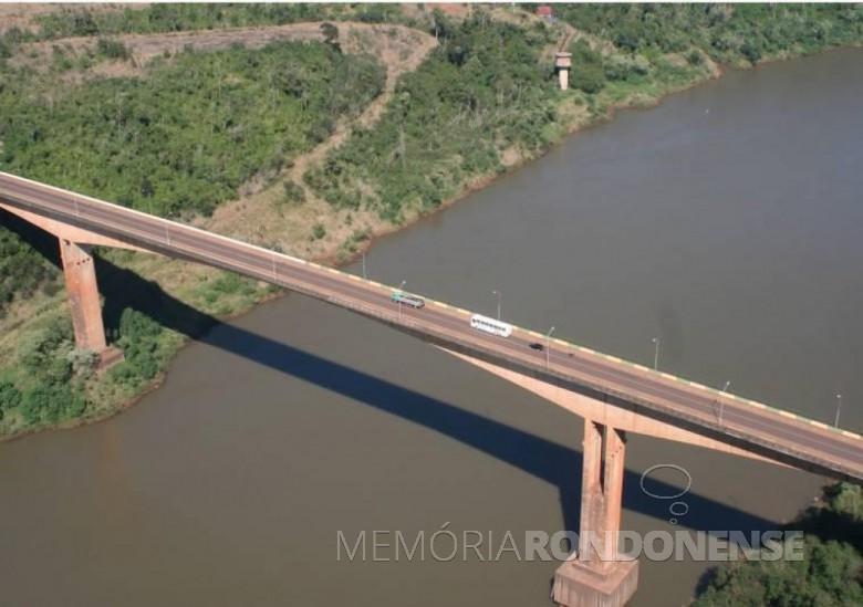 Ponte da Fraternidade, entre Brasil e Argentina, inaugurada em novembro de 1985.  Imagem: Acervo GDA.com.br - FOTO 4 -