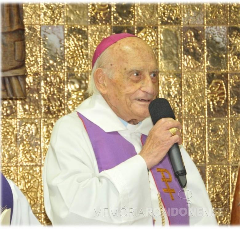 Arcebispo metropolitano de Cascavel (PR),  D. Armando Cirio, falecido em agosto de 2014. Imagem: Acervo CNBB - FOTO 3 -