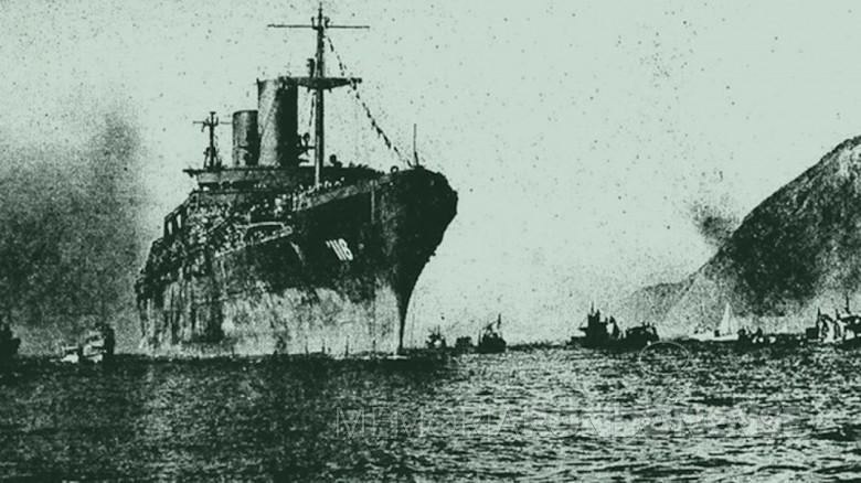 Navio USS M. C. Meigs adentrando à Baia de Guanabara para buscar  soldados brasileiros para combaterem na Segunda Guerra Mundial.  Imagem: Acervo aventurasnahistória.uol.com.br - FOTO 5 -