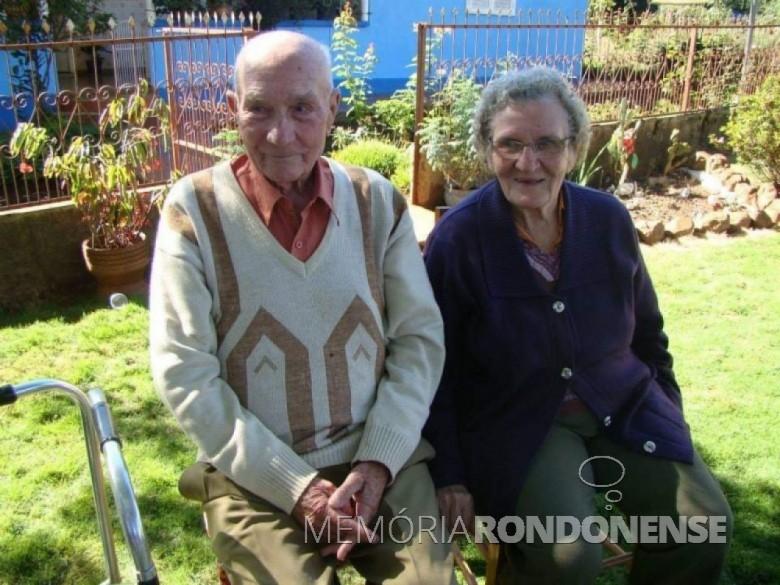 Casal pioneiro Isabela e Estanislau Czycza, ela falecida em julho de 2014. Imagem: Acervo Edinho Dresch. - FOTO 5 -
