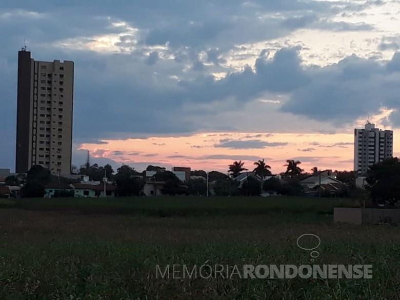 Poente na cidade de Marechal Cândido Rondon em 06 de julho de 2020. Imagem: Acervo e crédito da professora universitária Elise Schmidt - Unioeste. - FOTO 17  -