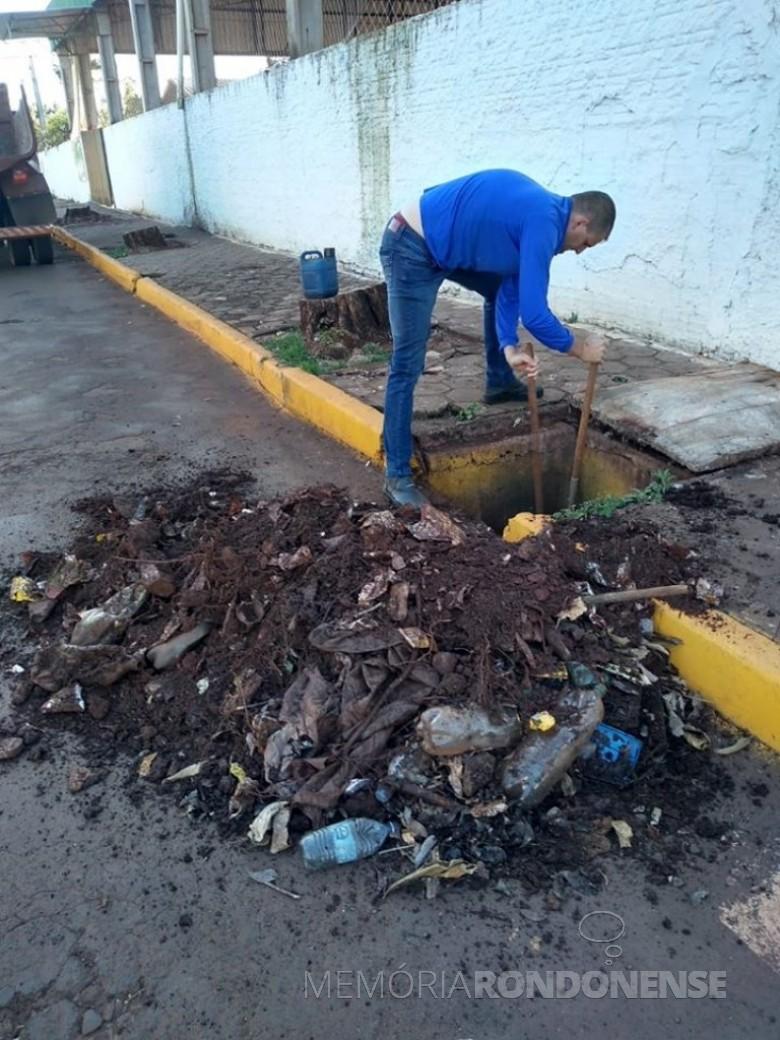 Outra amostragem de material retirado de galeria de água pluvial do Jardim Primavera, em Marechal Rondon. Imagem: Acervo Imprensa PM-MCR - FOTO 9 --