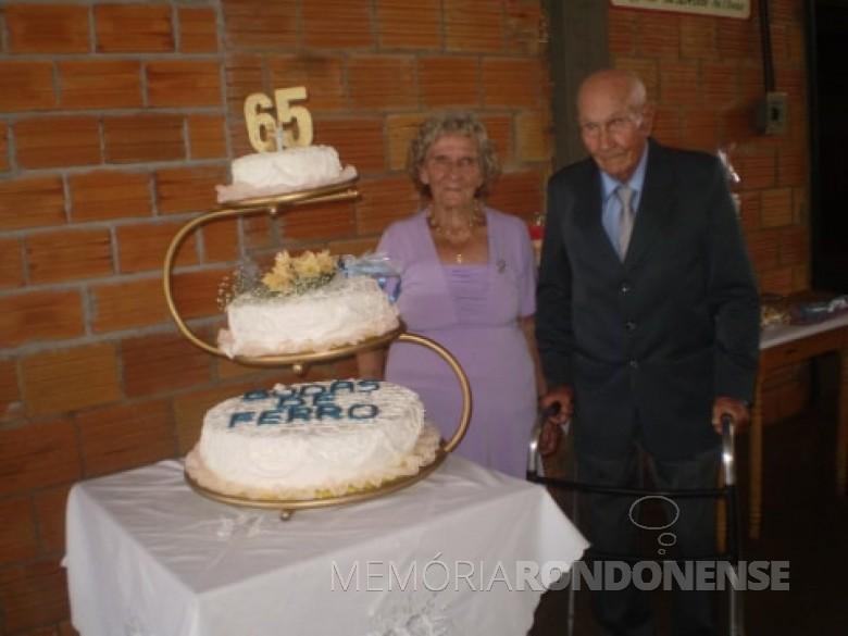 Casal Isabela e Estanislau Czycza ba comemoração de suas Bodas de Safira, em fevereiro de 2013. Imagem: Acervo Edinho Dresch - FOTO 6 -