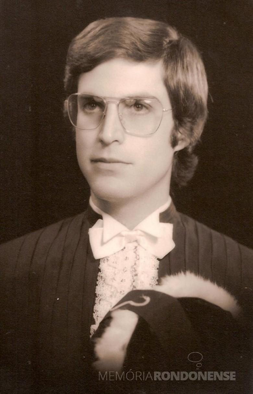 Médico Dr. Francisco Alexandre Scorza que começou a trabalhar em Marechal Cândido Rondon, em fevereiro de 1979. Imagem: Acervo pessoal - FOTO 1 -