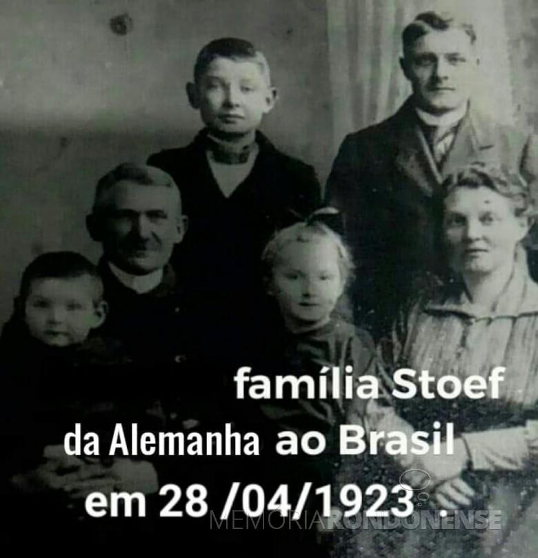 Casal Emma e Heinrich Stoef com os filhos. Imagem: Acervo Urano Stoef - FOTO 3 -