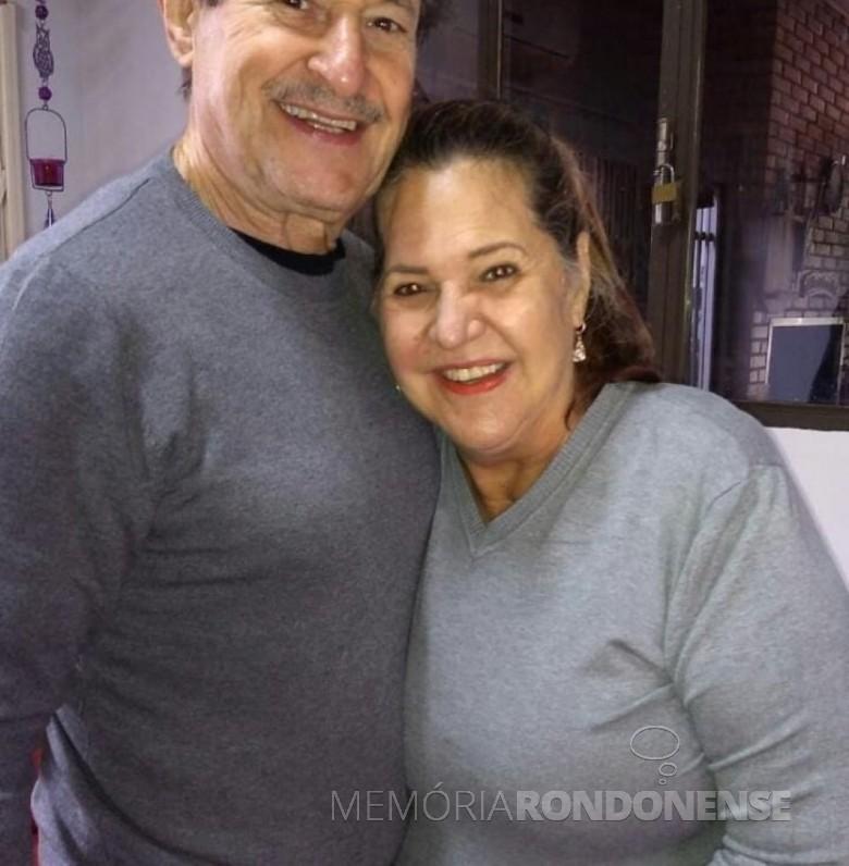 Ex-vereadora e professora Odete Bedin com o esposo Dilmo Bedin, ela que topmou posse  na Câmara Municipal de Marechal Cândido Rondon, em junho de 1987. Imagem: Acervo Arquivo pessoal - FOTO 3 -