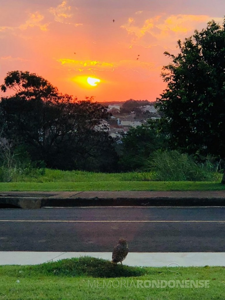 Por do Sol em Marechal Cândido Rondon em 02 de setembro de 2020, em imagem captada pelo rondonense Rômulo Peres Peres, a partir do final da Rua Tiradentes, na região sul da cidade. - FOTO 12 -