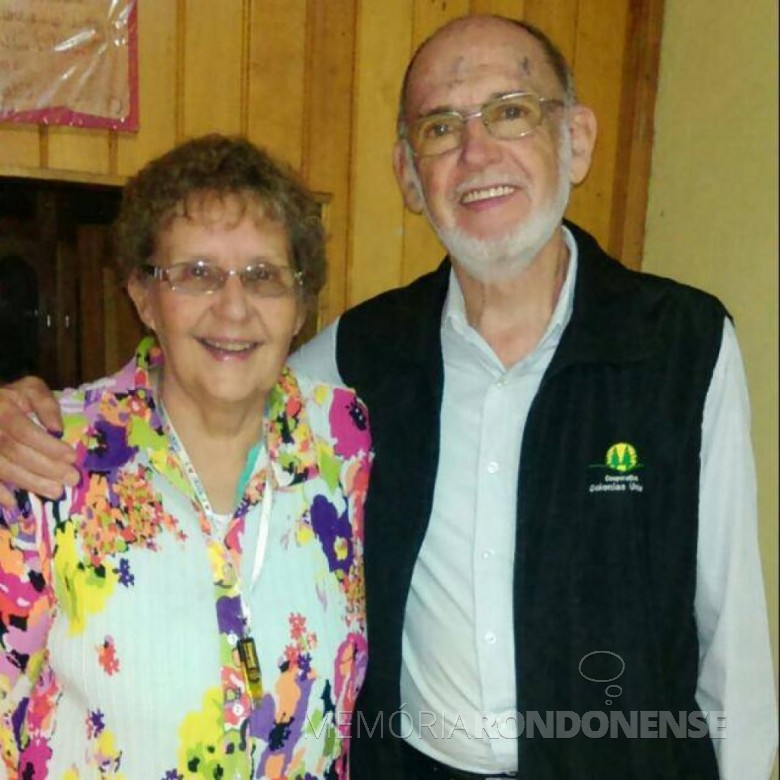 SenhorA Tábita Meier com o esposo Martin Kurrle, convidada especial para a inauguração do novo templo da Igreja de Deus, em Marechal Cândido Rondon. Imagem: Arquivo pessoal - FOTO 4 -