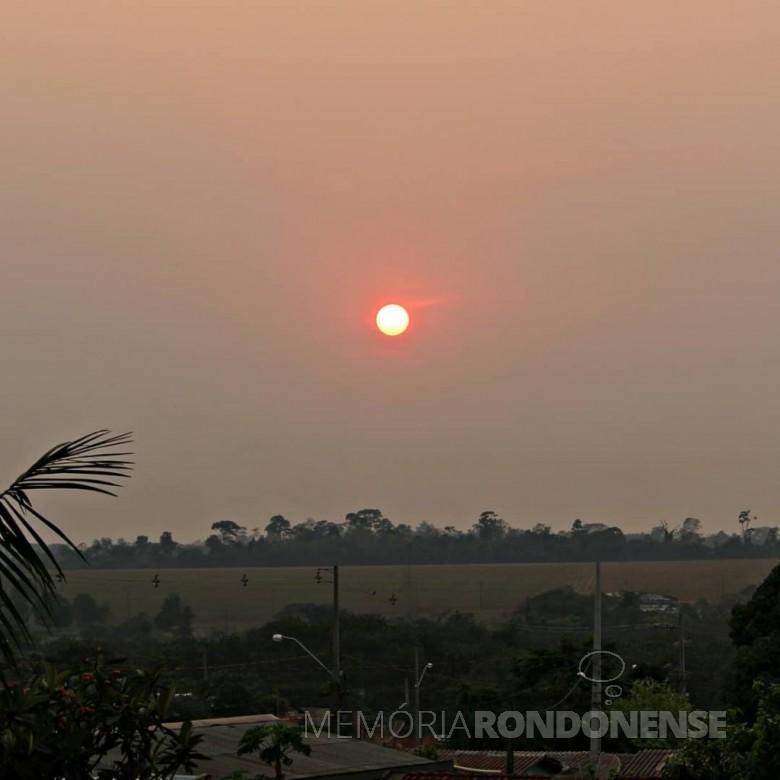 O sol no início da manhã do dia 14 de setembro de 2020, em Marechal Cândido Rondon, que evoca o haicai da poeta paranaense Helena Kolody (1912-2004):