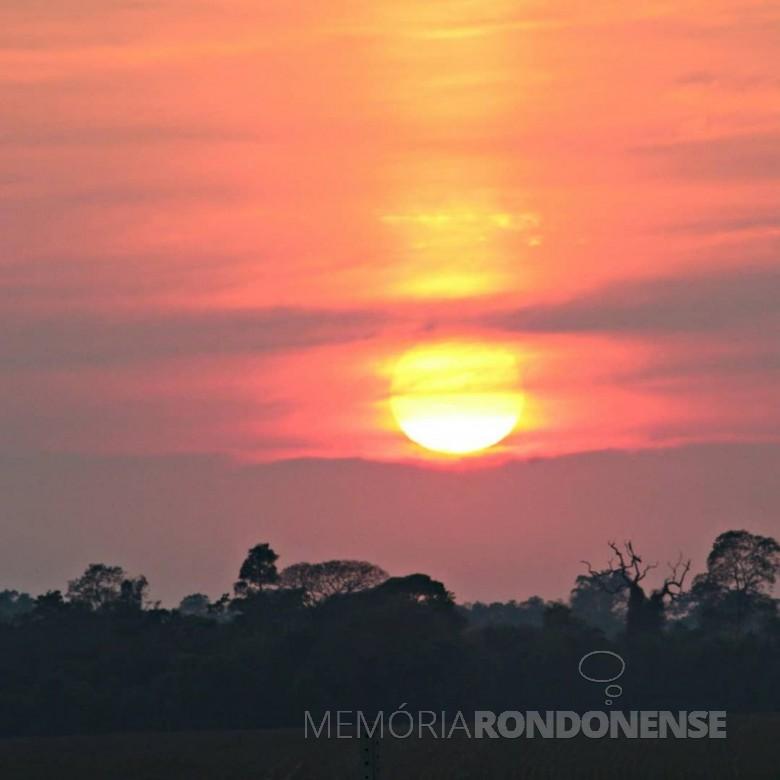 Outro instantâneo do despontar do sol em Marechal Cândido Rondon, em 20 de setembro de 2020. Imagem: Acervo e crédito Jair Meller - FOTO 12 -