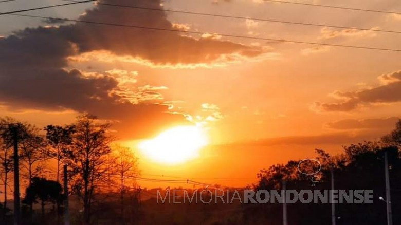 Por do sol na cidade de Marechal Cândido Rondon, no dia 05 de setembrop de 2020. Imagem e crédito: Márcio Cerny - FOTO 9 -