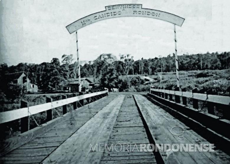 Ponte sobre o Rio Guaçu destruída na enchente de setembro de 1969. Imagem: Acervo Mário Elizeu Herrmann - FOTO 1 -