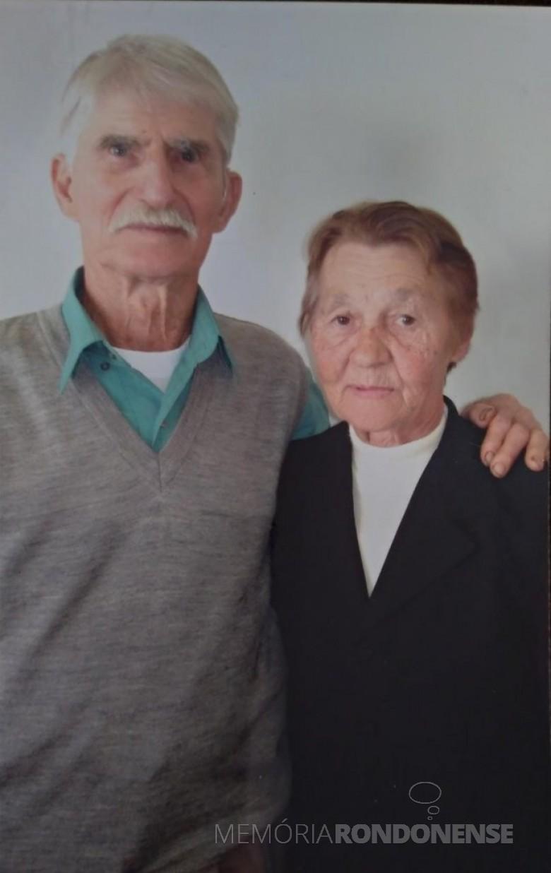 Pioneiro Germano Frederico Hardke com a esposa Gema, ele falecido em outubro de 2009. Imagem: Acervo pessoal - FOTO 9 -