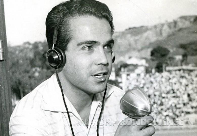 Narrador esportivo Pedro Carneiro Pereira, da Rádio Guaiba,  morto em outubro de 1973. Imagem: Acervo Rádioamantes.wordpress - FOTO 8 -