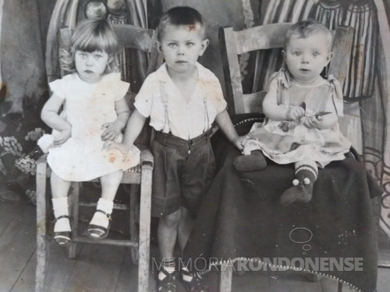 Os três filhos do casal Edith e Miguel Weinfortner: Nadir, Flávio e Zenaide. Imagem: Acervo Clarice Beatriz Schacht Fitz - FOTO 2 -