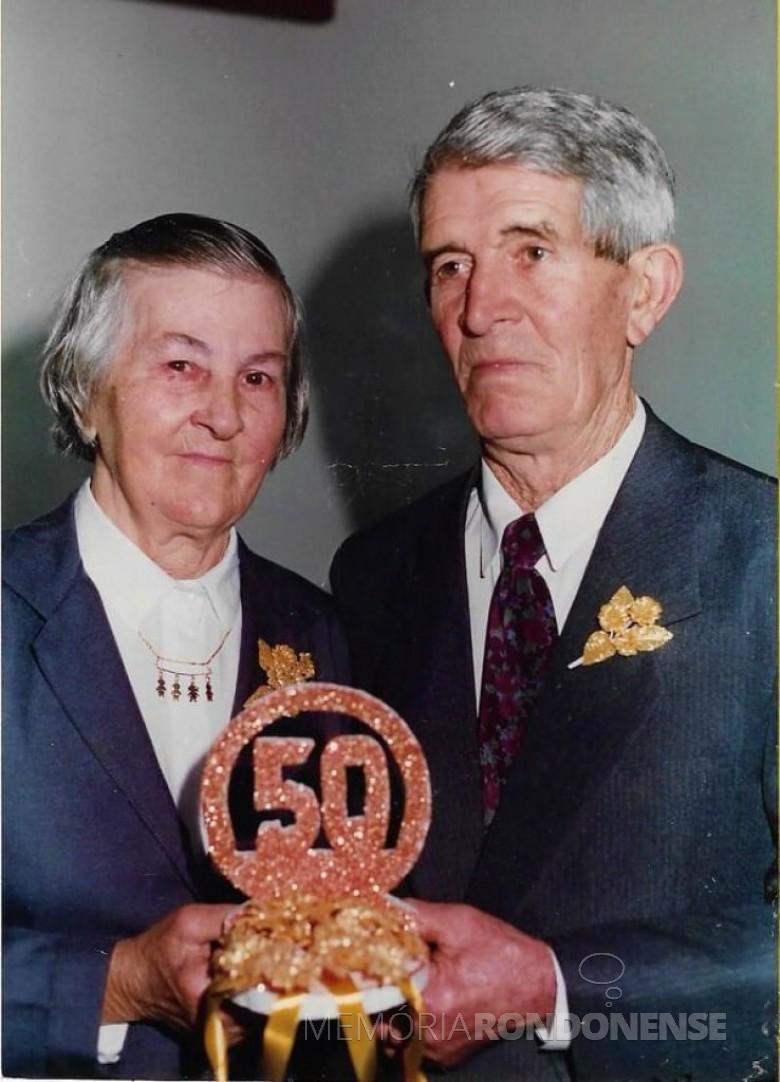 Casal pioneiro Hilda e Edwino Heirich na festa de suas Bodas de Our0, em  15 de junho de 1996. Imagem: Acervo Jheison Griep - FOTO 5 -