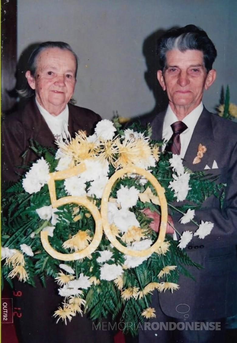Pioneiros Helga e Balduíno Heidrich no festejo de suas Bodas de Ouro, em 12 de setembro de 1992. Imagem: Acervo Jheison Griep - FOTO 4 -