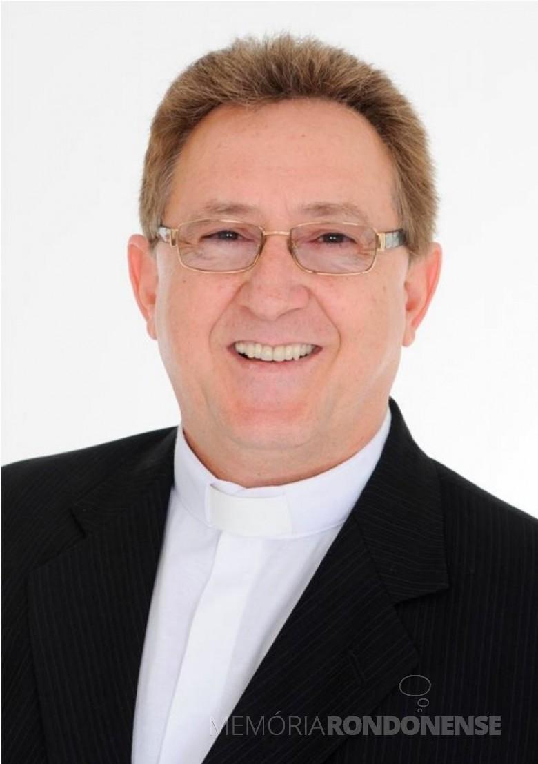 Padre Solano Tambosi que celebrou seu 34º ano de ordenação sacerdotal, em final de novembro de 2020. Imagem: Acervo Projeto Memória Rondonense - FDOTO 15 -