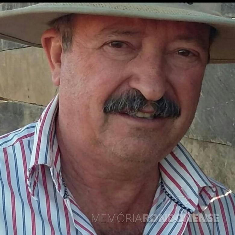 Nelio Ivo Hoerlle * um dos primeiros funcionários da agência do Banco Bradesco na cidade de Marechal Cândido Rondon. Imagem: Arquivo pessoal - FOTO 5 - * Mora ataulamente (20.11.2020) em Barreiras, Bahia. -- FOTO 8 --