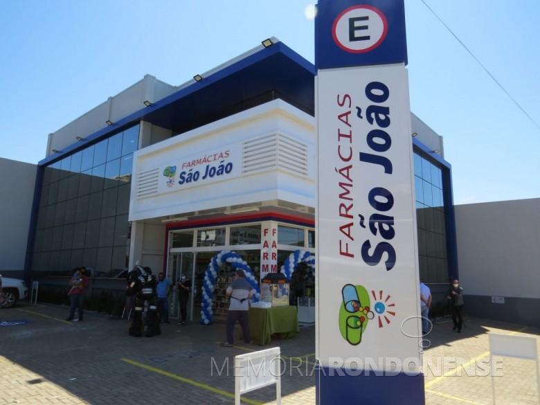 Prédio da filial da rede de Farmácias São João, na cidade de Marechal Cândido Rondon.  Imagem: Acervo O Presente - FOTO 21 -