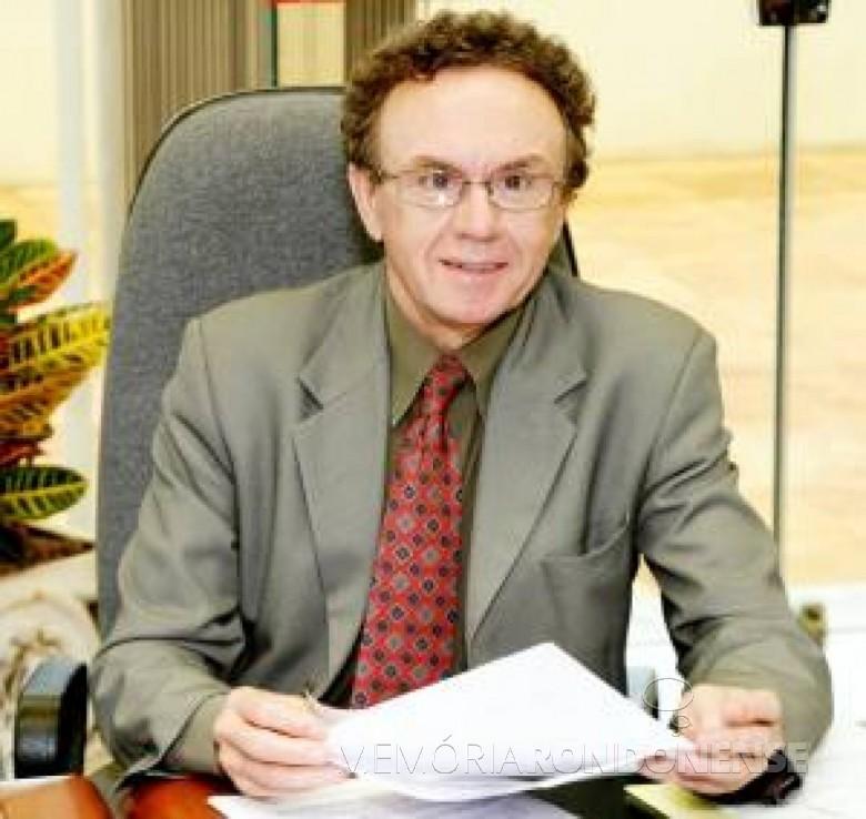 Toledano Nelton Friedrich eleito deputado estadual em 1978 pelo MDB. Imagem:  Acervo CRCPR - FOTO 10 -