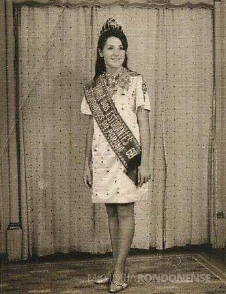 Miriam Lúcia Fernandes Mazzaferro elita Rainha dos Estudantes Secundaristas do Paraná 1968, em janeiro de 1968. Imagem: Acervo pessoal - FOTO 3 -