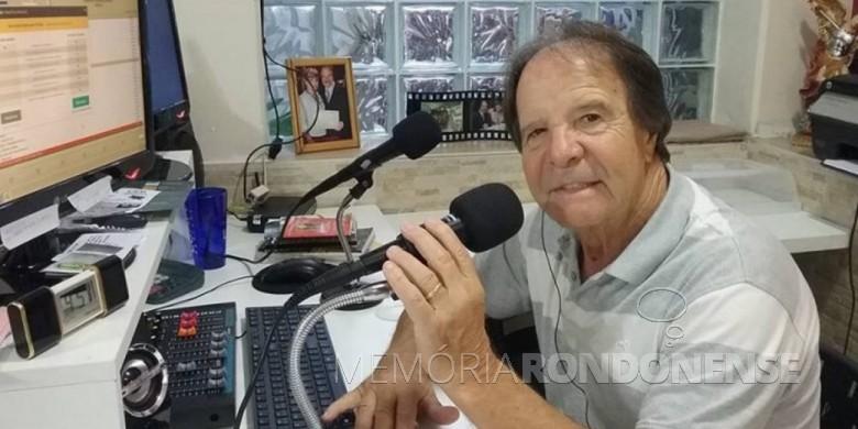 Radialista curitibano Algaci Tulio falecido em janeiro de 2021, em consequência de Covid 19.  Imagem: Acervo RSN - FOTO 11 -