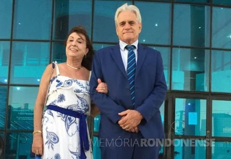 Professora toledana Neusa Ferret Bisognin com o esposo Euclides Bisognin, ela falecida em janeiro de 2020. Imagem: Acervo PretoeBranco - FOTO 5 -