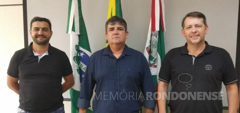 Secretários nomeados pelo prefeito de Marechal Cândido Rondon, em 06 de janeiro de 2021. Adriano Backes (e),  Jeferson Dahmer e Anderson Loffi (d). Imagem: Acervo Imprensa  PM- MCR - FOTO 8 -