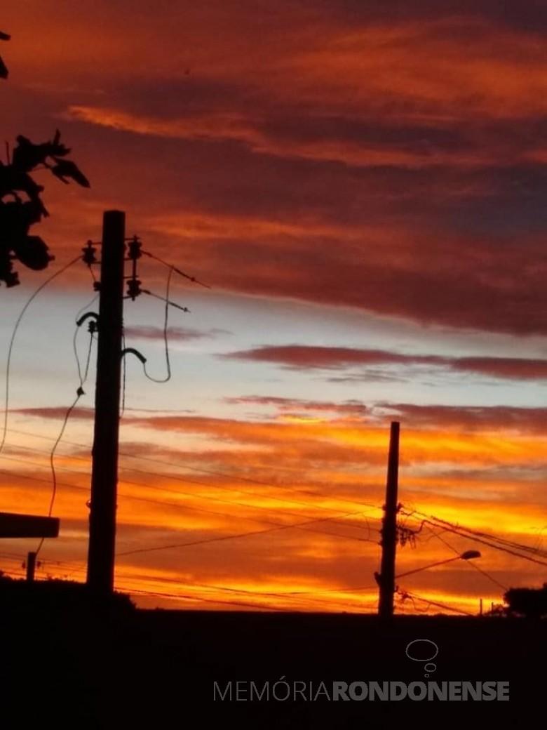 Por do sol na cidade de Marechal Cândido Rondon, em 03 de fevereiro de 2021. Imagem: Acervo e crédito de Ilda Bet - FOTO 10 -