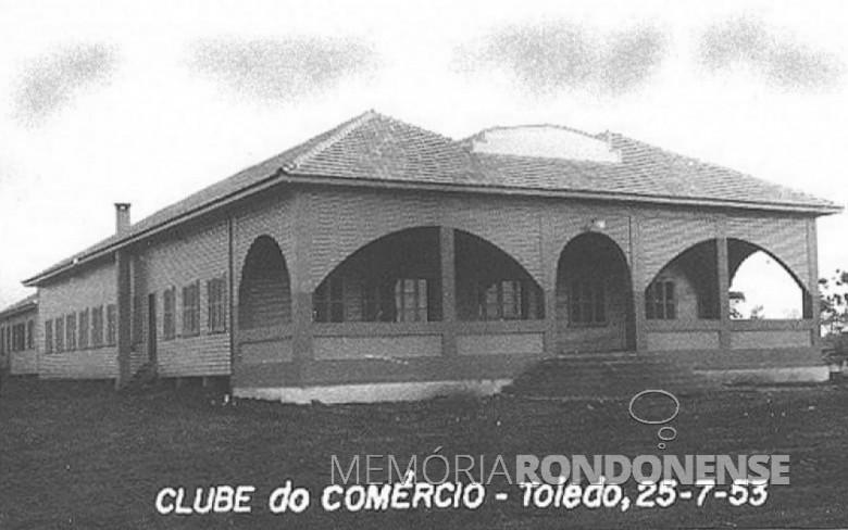 Clube do Comércio da cidade de Toledo destruído por um incêndio em fevereiro de 1968. Imagem: Acervo Família Seyboth - FOTO 3 -