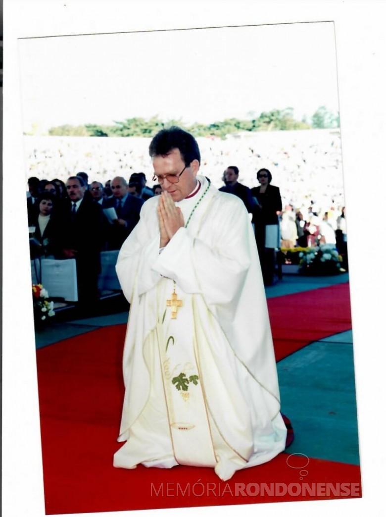 Padre Anuar Battisti (palotino) durante a sua ordenação episcopal , em junho de 1998. Imagem: Acervo Mitra Diocesana de Toledo - FOTO 8 -